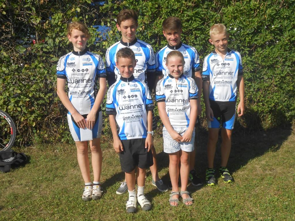 Les 6 Chouet'Bikers qui partiront aux Ménuires pour défendre les couleurs de l'Alsace